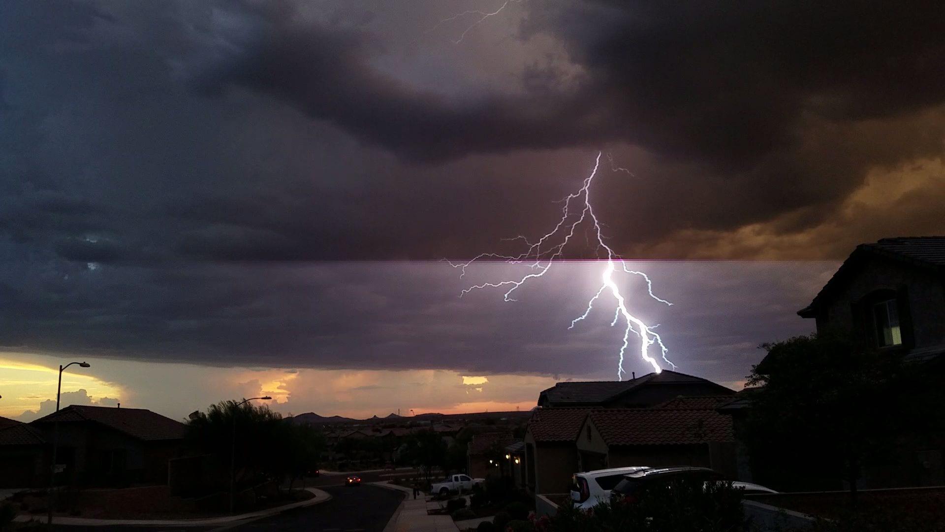 Phoenix Lightning 4